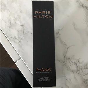 Paris Hilton Dual Action Cleansing Gel